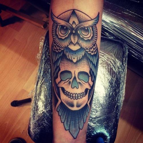 Molto Tatuaggio gufo: significato, stili e galleria di immagini  RR72