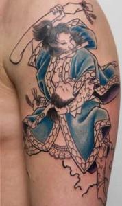 Samurai tattoo su braccio