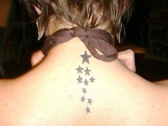 Tatuaggio piccolo sulla schiena