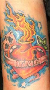 Tatuaggio cuore old school