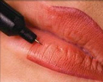 Tatuaggio permanente alle labbra