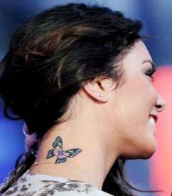 Tatuaggio sul collo
