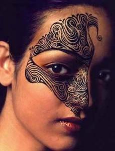 Tatuaggio Maori da donna