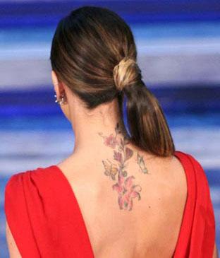 Tatuaggio sulla schiena di Belen