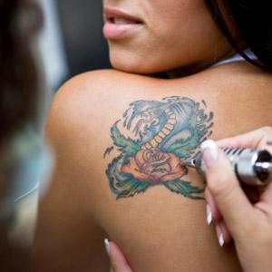 Tatuaggi si possono fare in inverno