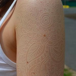 tatuaggio bianco