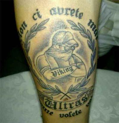 I tatuaggi ultras codice significato e rito passionetattoo for Tatuaggi stile pin up