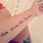 tatuaggio-frase-sul-braccio