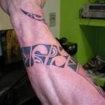 tatuaggio-tribale-braccio