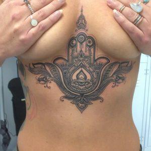 hamsa mano tatuaggio