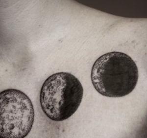 luna nera tatuaggio