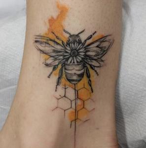 tatuaggio ape