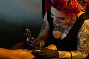 diffidate dai tatuaggi low cost per evitare l'insorgere di problemi