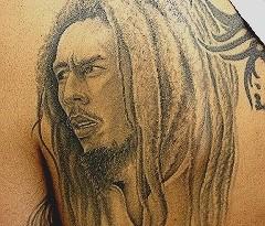 tatuaggi giamaicani bob marley pianta