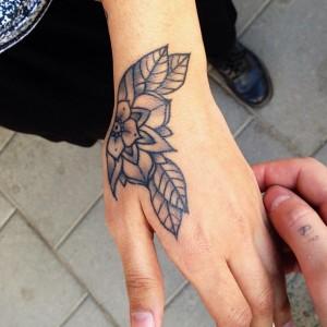 Tatuaggio sulla mano: perché si, perché no - PassioneTattoo