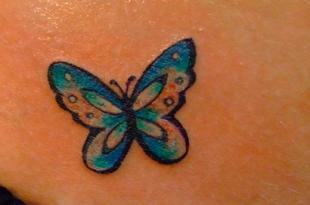 tatuaggio farfalla piccolo