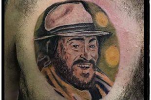 pavarotti tatuaggio